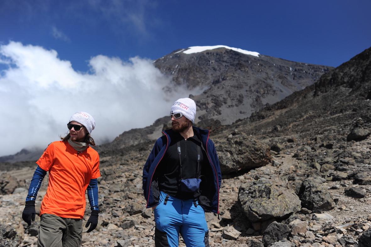 kilimanjaro-best-buddies-toppen-snart