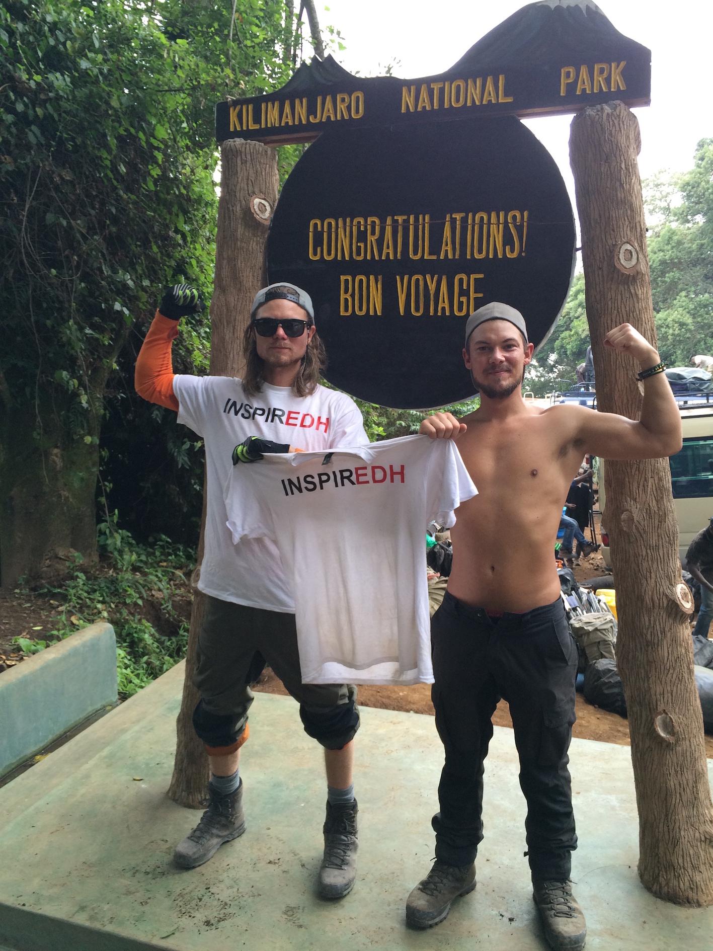 kilimanjaro-jag-och-brorsan-fredrik-edh-firar