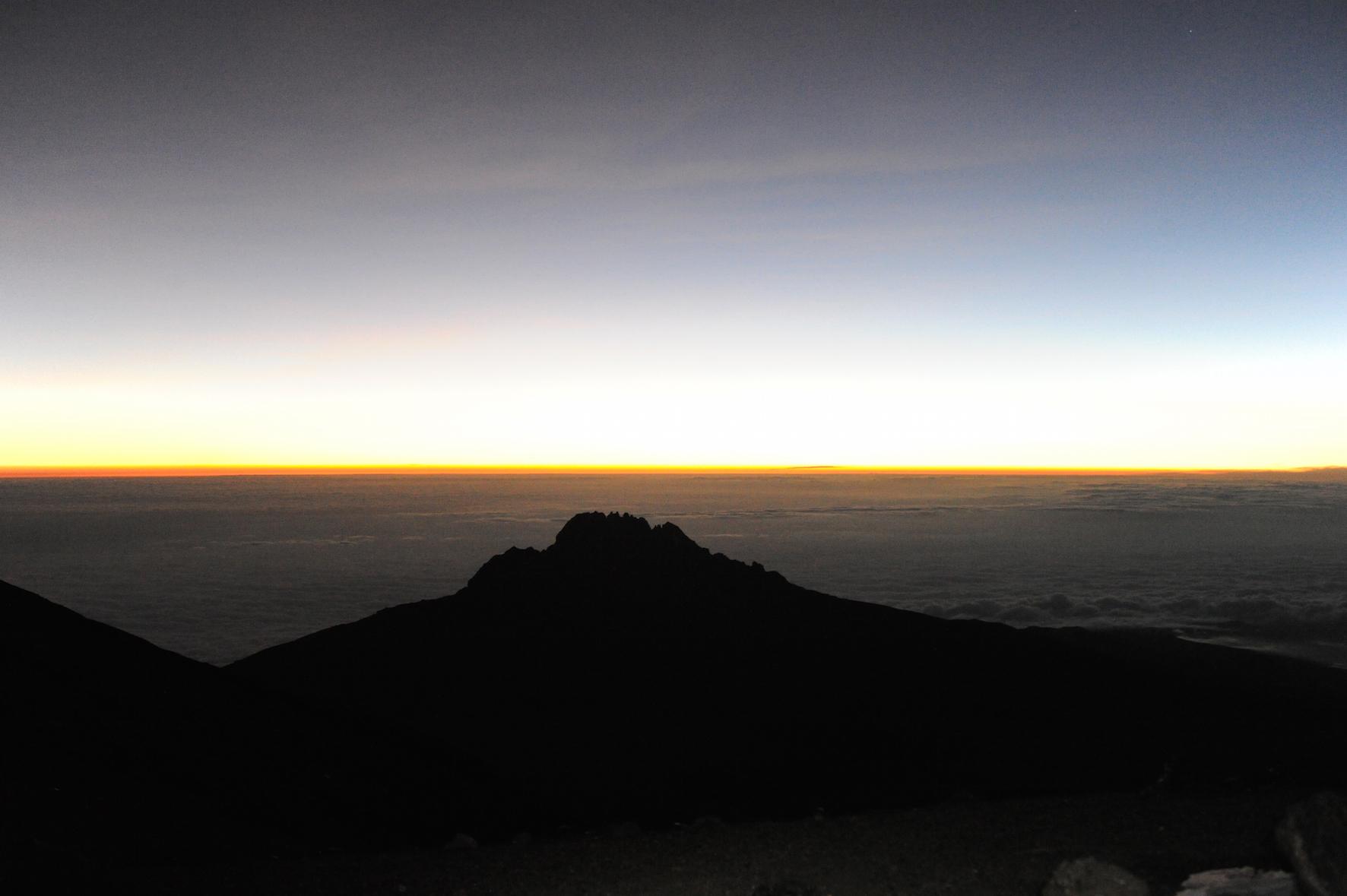 kilimanjaro-pa-toppen-soluppgang-edh