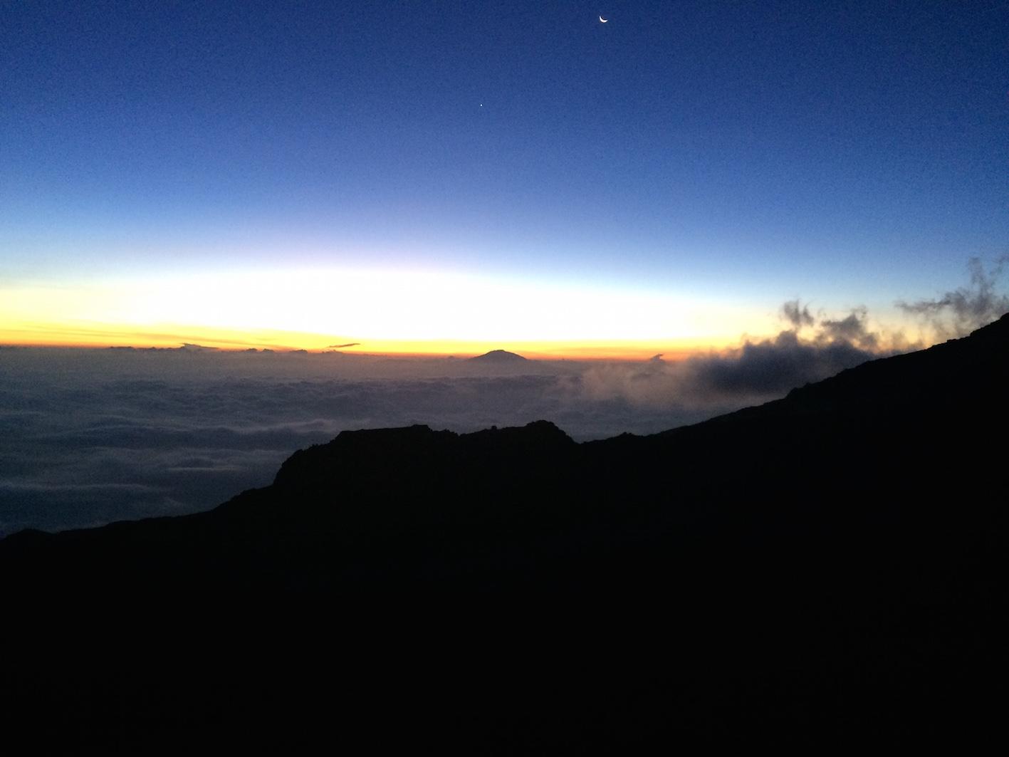 kilimanjaro-solnedgång-bla-himmel