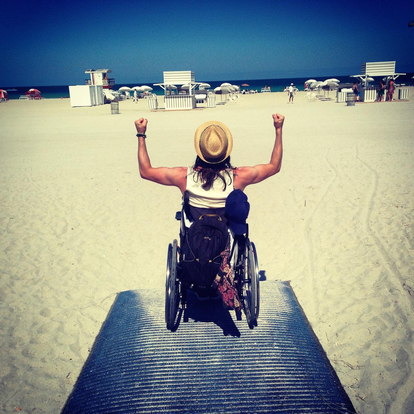 miami-rullstol-strand-sand