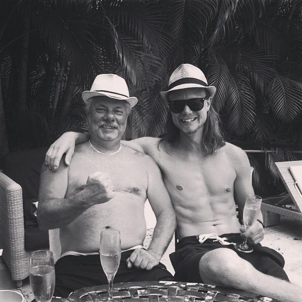 pappa-jag-miami-pool-hang-edh